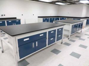 Modular Steel Laboratory Furniture on wheels